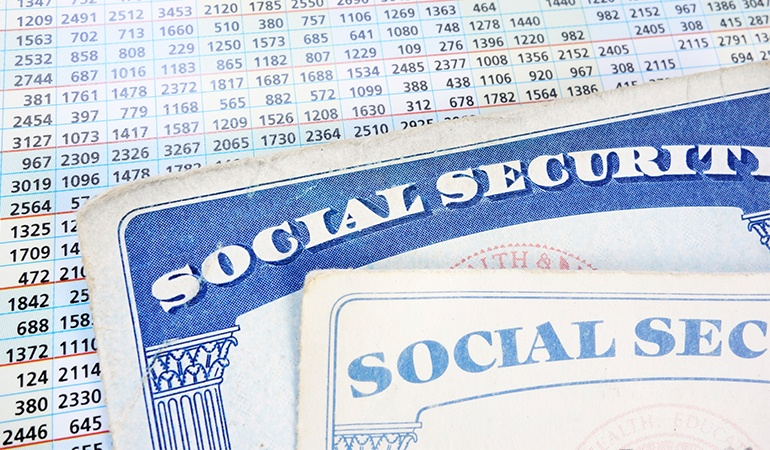 Social_Security_Card_on_numbers_sheet